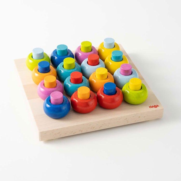 カラーリングのペグ遊び|木のおもちゃ